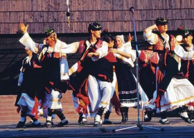 folklore-dancers-in-detva.jpg