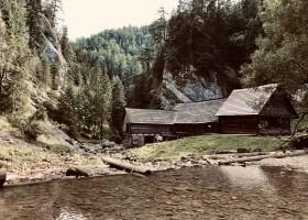 vodné_mlyny_-_oblazy_-_kvačianska_dolina_2.jpg