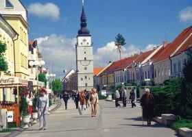 Puolipäiväretkiä Bratislavan ympäristöön
